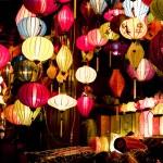 Des lanternes en nuit