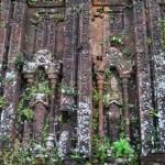des statues de bouddhas