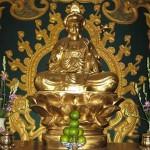 la statue de bouddha dans la pagode khai doan